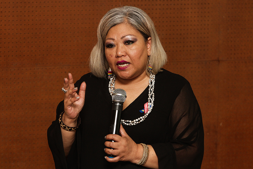 Siti Kasim sues Jawi, 14 officers over unlawful arrest ...